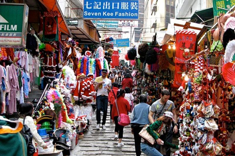 nhiều thương nhân lựa chọn đến tận chợ trung quốc bán buôn để đánh hàng kinh doanh